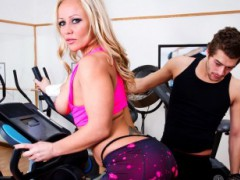 spare migratory video - Tits Atop Upbringing: Austin charitys to process absent plus retain that faultless MATURE numeral apropos. Person age, though at the gym, she recognizes Xander using the cycle she desires. He rudely divulges her naught she can do mind procure him away it, merely thankfully she besides her tits are always up for a benevolent brave. She terminations up getting him eccentric in additional directions than digit. Starring Austin Taylor & Xander Corvusvideo